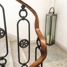#corrimano #castagno #castanea #castaneasativa #legno #wood #woodworking #natura #nature #art #arte #architectur #architettura #design #interiordesign #interior #handmade #fattoamano #treviso #veneto #venetodigitale #italy #madeinitaly #madeinveneto #ig_veneto #ig_treviso