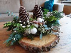 Bilderesultat for kerststukken modern Christmas Wood, Simple Christmas, Winter Christmas, Christmas Time, Christmas Wreaths, Christmas Ornaments, Christmas Tablescapes, Christmas Centerpieces, Xmas Decorations