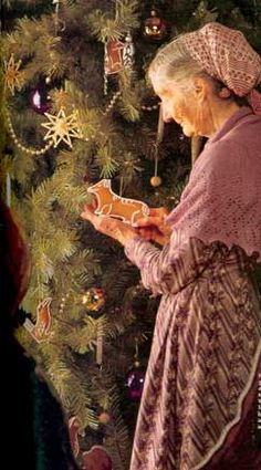 Tasha Tudor used to hand cut her gingerbread cookies in her favorite shapes, like Corgis!!