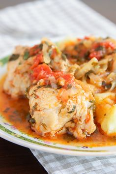 Pollo Guisado Chicken Recipe: Quick and Easy Puerto Rican Recipes caribbeantrading. Mexican Food Recipes, New Recipes, Dinner Recipes, Favorite Recipes, Healthy Recipes, Ethnic Recipes, Slow Cooker Recipes, Cooking Recipes, Crockpot