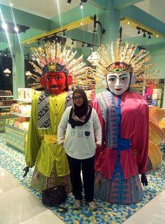 Indonesian big puppet, ondel ondel