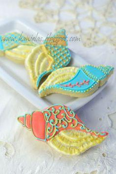 Haniela's: ~Sea Shell Cookies with Victorian Flare~ Summer Cookies, Fancy Cookies, Iced Cookies, Cut Out Cookies, Cute Cookies, Royal Icing Cookies, Cookies Et Biscuits, Cupcakes, Cupcake Cookies