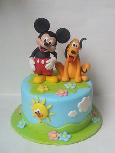 Mikey mouse  Pluto cake