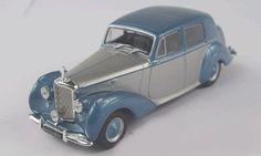 (v42) Voiture miniature 1/43 WHITEBOX Bentley MK V