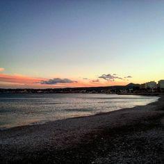 Anocheciendo en el puerto de #Javea ...nada como el mediterráneo!! #xabia #xabia365 #portdexabia #mediterraneo #comunitatvalenciana  #travellers #bloggers #travel #travelblog #instatravel #travelingram #instagood #instapic #travelgram #photooftheday #mytravelgram #wanderlust #trip #adventure #picoftheday #travelling #travelblog #globetrot #world_great #travelovers #instafollow #instago #iatiporelmundo by explorandosinrumbofijo