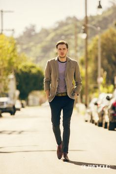 Exclusive - Dominic Sherwood opens up to Glamoholic about 'Shadowhunters', upcoming film 'Take Down', his dark and scary experience in 'The Other' and who pushes him to be a better version of himself. Dominic Sherwood, Vampire Academy, Daily Fashion, Fashion News, Fashion Trends, Shadowhunters Season 3, Jamie Campbell Bower, Trends Magazine, Hot Actors
