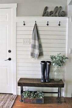 Farmhouse style decor. Entrance from garage.