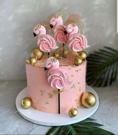 Carrot Cake with pear, orange and caramel - Pretty Cakes, Cute Cakes, Flamingo Cake, Beautiful Birthday Cakes, Birthday Cake Decorating, Cake Decorating Techniques, Drip Cakes, Fancy Cakes, Pink Cakes