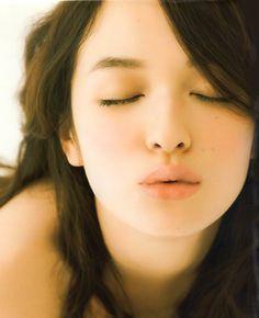 森絵梨佳erika_mori Asian Cute, Pretty Asian, Cute Asian Girls, Cute Girls, Pictures Of Lily, Asian Eyes, Japanese Models, Japanese Style, Portrait Poses