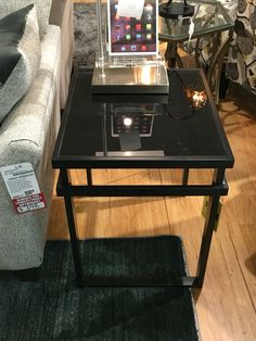 Attirant End Table (American Furniture Warehouse)