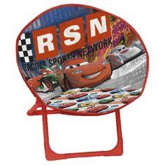 """Pour tous les petits fans de """"Cars"""", offrez-leur ce siège lune """"my favorite hero"""" dans leur chambre. Une belle idée déco aux couleurs de son dessin animé préféré :)"""