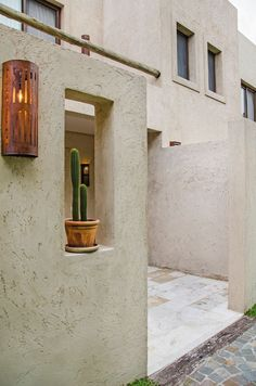 Fernando Martínez Nespral Fachada Colonial, Stone Houses, Architecture Photo, Entrance, House Plans, Wall Lights, Sweet Home, Building, Places