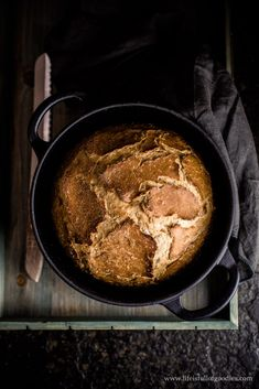 Pot bread - a super simple recipe made from yeast dough - Life Is Full Of Goodies recipes backen backen rezepte bread bread bread Easy Baked Chicken, Chicken Thigh Recipes, Quick Easy Meals, Healthy Dinner Recipes, Garlic Butter Chicken, Breast Recipe, Mets, Yum Yum Chicken, Calories