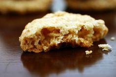 crispy oatmeal white chocolate cookie
