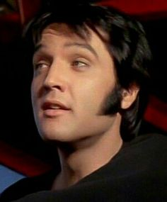 Elvis Presley Tupelo Mississippi, Elvis Presley Pictures, You're Hot, People News, Hot Hunks, Psychobilly, Graceland, Popular Music, Beautiful Men