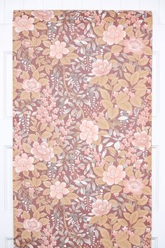 Love the look of cascading flowers in these colors. This pattern is available in our Retro Wallpaper etsy store along with hundreds of others.
