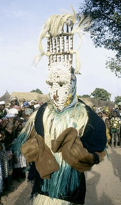 Africa | Masked performer, from the Bamana people, with Ntomo mask. Bamako (national district), Mali. 1970. | ©Eliot Elisofon