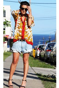 Lovely summer outfit (bronzed legs are a must lovelies!)