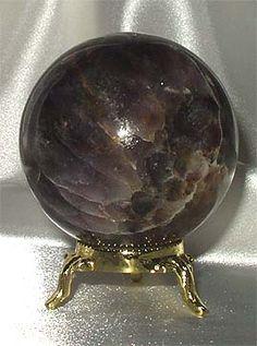 black amethyst sphere Crystal Magic, Crystal Sphere, Crystal Ball, Minerals And Gemstones, Rocks And Minerals, Black Amethyst, Amethyst Crystal, Stones And Crystals, Healing Crystals