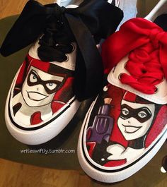 Custom painted shoes inspired by Harley Quinn from the Batman franchise. Custom Painted Shoes, Hand Painted Shoes, Custom Shoes, Harley Quinn Cosplay, Joker And Harley Quinn, Shoe Art, Me Too Shoes, Gotham, Mad