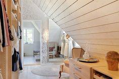 walk-in closet (via Bjurfors)