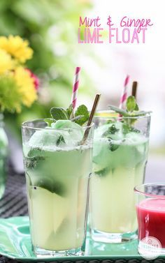 Ginger & Mint Lime Floats - Inspired by Charm - Inspired by Charm Party Drinks, Fun Drinks, Healthy Drinks, Beverages, Mojito, Green Cocktails, Cocktail Drinks, Cocktail Ideas, Refreshing Drinks