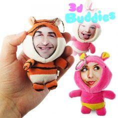 Ein 3D Foto Puppen Schlüsselanhänger mit deinem Foto. Ein wundervolles und originelles Fotogeschenk für viele Anlässe. Jetzt Foto hochladen und Fotopuppe gestalten!