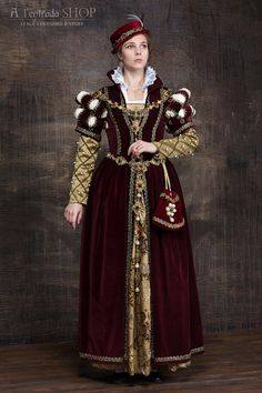 GORGEOUS! Renaissance gown Mary Stuart 16th century dress by AlentradaSHOP