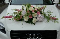 Autobloemstuk &bloemen Borger Wedding Car Decorations, Flower Decorations, Wedding Centerpieces, Bride Flowers, Wedding Designs, Wedding Ideas, Rose Wedding, Flower Arrangements, Floral Wreath