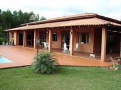 Village House Design, Kerala House Design, Bungalow House Design, Village Houses, Kerala Traditional House, Traditional House Plans, Urban Garden Design, Patio Design, Hacienda Style Homes