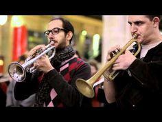 English version below    Jeudi 17 novembre 2011, 60 musiciens sont venus jouer un extrait de l'Arlésienne de Bizet dans le grand hall de la Gare du Nord, à Paris !  C'est le lancement de la 4ème édition d'Orchestres en fête, grand événement organisé dans toute la France depuis 2008. Pendant dix jours au mois de novembre, les orchestres membres de l...