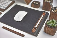 Detail of the walnut wood pen tray integrated into the Grovemade leather mouse pad Desk Setup, Desk Layout, Pc Desk, Desk Office, Office Decor, Modern Desk, Wood Tray, Walnut Finish, Walnut Wood