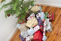 christmas presents under the tree | ... Original image of Huge pile of Christmas gifts under the tree [1449kB