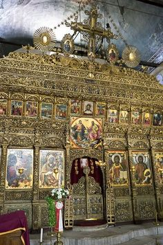 Iconostasis - Church of St. Dimitrija, Bitola in Macedonia. Byzantine Architecture, Sacred Architecture, Albania, Antigua Yugoslavia, Macedonia Skopje, Republic Of Macedonia, Church Interior, Cathedral Church, Church Building