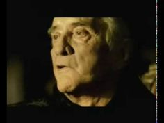 Johnny Cash-Hurt Even Trent Reznor said it's more Johnny Cash's song than his. Hurt By Johnny Cash, Johnny Cash June Carter, Johnny And June, Music Love, Love Songs, Music Is Life, Good Music, My Music, Trent Reznor