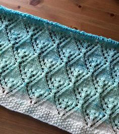 This Pin was discovered by Mer Lace Knitting Patterns, Knitting Stiches, Knitting Charts, Baby Knitting, Cross Stitch Patterns, Tricot Baby, Sweater Design, Sewing For Kids, Beautiful Patterns
