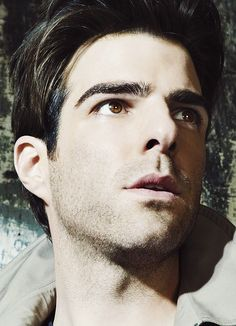 zachary quinto - Love him on Heroes and AHS: Asylum. Zachary Quinto, Nos4a2, Miles Mcmillan, Guys Eyebrows, Pleasing People, Famous Men, Famous Faces, Star Trek Ships, Across The Universe