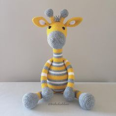 Just finished of this cute custom order. Can't take credit for the colour scheme/pattern, it was copied from the image sent by the customer 💛 Crochet Giraffe Pattern, Crochet Animal Patterns, Stuffed Animal Patterns, Crochet Patterns Amigurumi, Amigurumi Doll, Crochet Animals, Crochet Dolls, Stuffed Animals, Cute Crochet