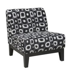 The Glen Twilight Grey Accent Chair is covered in high performance, easy care fabric for a luxurious look and durable design. Box spring seat for a durable and comfortable sitting experience.