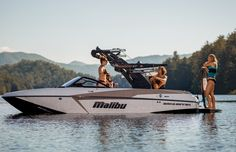 The Malibu 20 VTX is the leading crossover boat in the industry. With a Diamond Multisport Hull and Integrated Surf Platform technology, this boat creates perfect flats for slalom skiing and massive wakes for surfing and wakeboarding. Used Boat For Sale, Boats For Sale, Malibu Boats, Slalom Skiing, Wakeboard Boats, Water Ski, Ski Boats, Oregon City, Lake Oswego