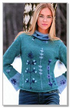 Вязание спицами. Мохеровый пуловер с отделкой вышивкой. Размеры: 46