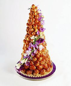 Another gorgeous croquembouche.