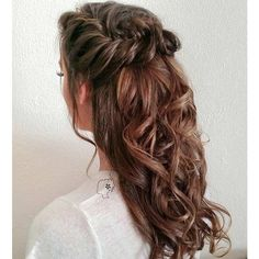 31 Half Up, Half Down Hairstyles for Bridesmaids ❤ liked on Polyvore featuring hair and hairstyles