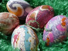 color your eggs with silk ties!