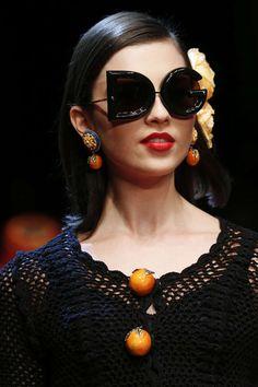 68c89f4857bb6 Detail   Dolce   Gabbana   Mailand   Frühjahr 2018   Kollektionen   Fashion  Shows
