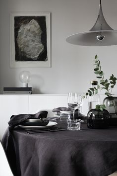 Sponsored post in collaboration with Ellos You´ve probably already received Linen Napkins, Black Friday, The Selection, Table Settings, Dining Room, Design Inspiration, Interior, Home Decor, Style