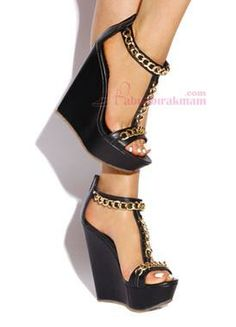 Siyah Cilt Zincirli Yazlık Dolgu Topuk Ayakkabı