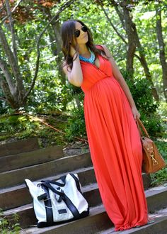 Go for bold colour combinations, coral + turquoise look great for a maternity summer outfit! Use a Chunky necklace to add a pop of colour. Maternity Wear, Maternity Dresses, Maternity Fashion, Maternity Style, Summer Maternity Outfits, Maternity Wedding, Maternity Clothing, Spring Outfits, Baby Bump Style