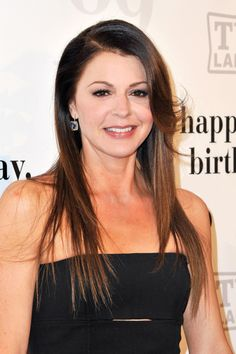 "Jane Leeves from ""Hot in Cleveland"""