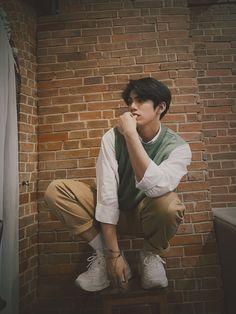 Korean Entertainment Companies, Kawaii Wallpaper, Cute Photos, Boyfriend Material, Pop Group, Mtv, Art Sketches, Chibi, Eye Candy